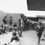 Flynn Primary School - children play in a small ante-courtyard